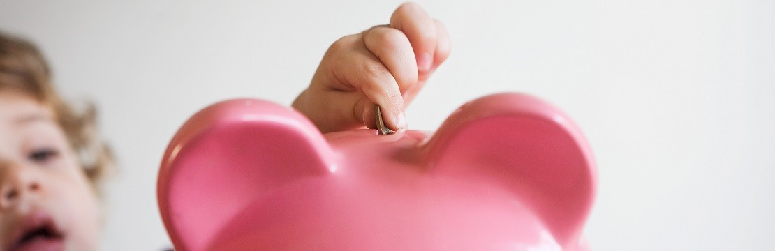 Read more about the article 4 Priceless Money Lessons for Kids